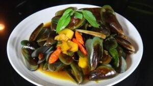 Avoid eating mussels during pregnancy