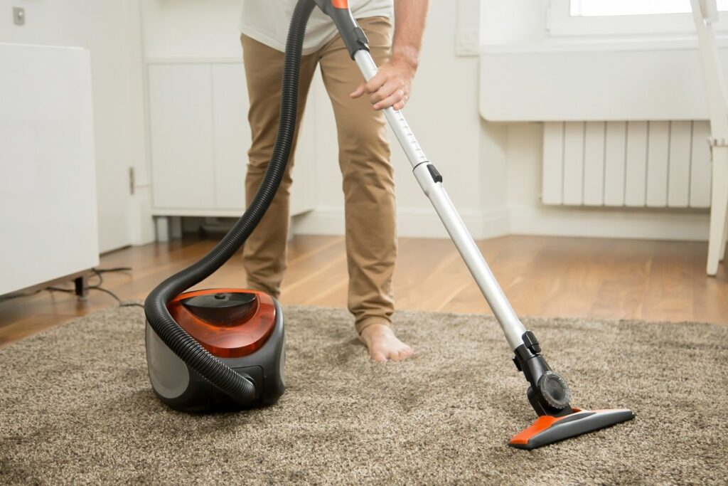 Ask for help with vacuuming the floor