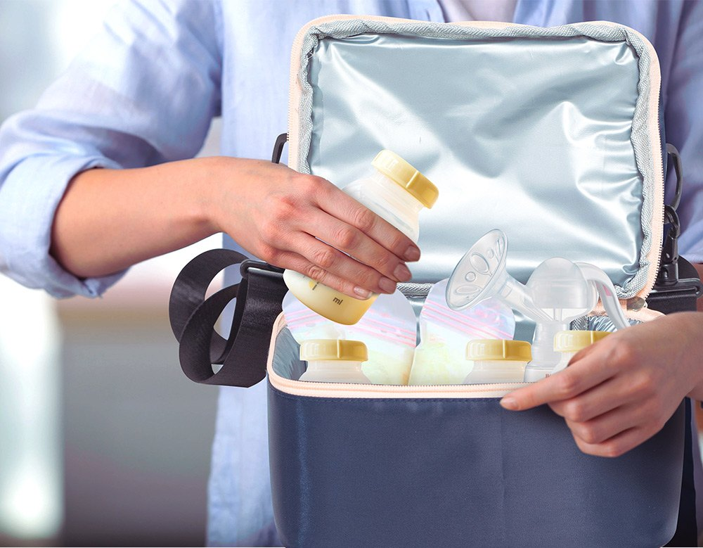 How-to-store-breast-milk-when-traveling_sling-cooler-bag